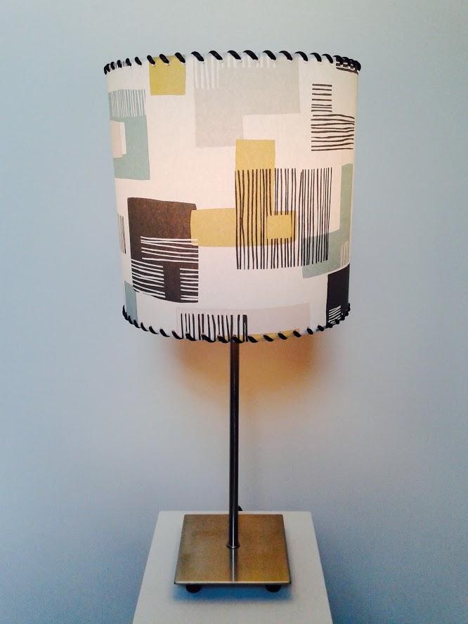 Lampe de table décorative motifs vintage «Abstraites incrustations». - Achetez-le en ligne sur Laloux Stores !